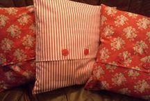 Cushions / Puter