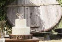"""Matrimonio Hipster Agriturismo Catania / Il matrimonio hipster è sinonimo di matrimonio campestre: un bosco, un prato, un eremo sull'Etna sono le location più impiegate in questo tipo di eventi.  Lo stile é semplice… … o almeno deve averne l'apparenza. La decorazione deve essere totalmente integrata con l'ambiente, tutto dovrà sembrare """"lì per caso""""!   Dimenticate la serietà e l'austerità dei ricevimenti in villa: le parole d'ordine sono ironia, divertimento e spensieratezza.   Benvenuti al Matrimonio Hipster di Case Perrotta!"""