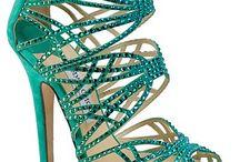Scarpes o Zapatos / by Karina Curcio