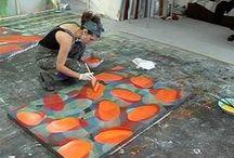 Créatifs / Carnets de croquis, atelier, bureaux, accumulation d'idées, matériels, portrait d'artiste ...