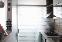 Lavanderia / Portas separando lavanderia da cozinha