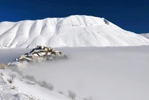Snowing in Umbria / Sun and snow in a magical winter landscape