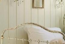 dream bed / by Astrid den Boer