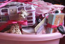 Mamaliefde ❤ Gifts Baby(shower) / Een overzicht van allerlei inspiratie om cadeau te geven voor de baby (shower) om zelf te maken of te kopen.
