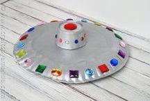 Mamaliefde ❤ Paper Plates (Papieren bordjes) / Een overzicht en pinterest inspiratie van allerlei creatieve DIY knutsels en project ideeën met papieren bordjes in allerlei vormen, kleuren en maten.
