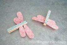 Mamaliefde ❤ Popsicles & Clothespins (ijsstokjes en wasknijpers) / Een overzicht en pinterest inspiratie van allerlei creatieve DIY knutsels en project ideeën met ijsstokjes en wasknijpers in allerlei vormen, kleuren en maten.
