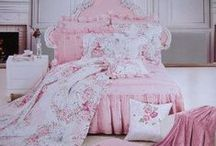 Shabby Chic / My house will look like this one day! / by Nan Johnson