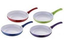 Panvice a woky na každodenné varenie aj grilovanie / Panvice a woky keramické, teflónové alebo liatinové. Rôzne veľkosti a farby, vhodné na každodenné použitie. Tieto panvice sú ideálne na zdravé varenie bez tuku a oleja, ktoré by nemali chýbať v každej domácnosti.