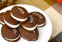 Football Food / It's football season! Here's some fare that's sure to score a touchdown with your guests.