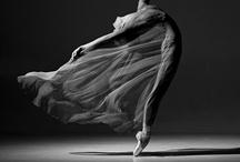 Dancers En Route