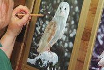 Wildlife Artist Karie-Ann Cooper at work / Wildlife Artist Karie-Ann Cooper at work