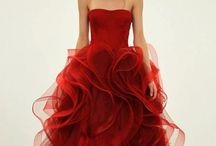 Exquisite evening gowns / Formal wear