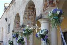 Fiori ed erbe officinali... / ...nel blu ciano di Santa Cesarea Terme, per un rito civile sotto un cielo di fiori.