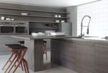 Cozinha / Os ambientes de cozinhas da Dell Anno são sempre planejados pensando em elegância e funcionalidade. Confira alguns projetos já realizados!