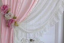 Curtains / Okna,záclony a závěsy