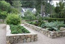 Inspiration: Raised beds / Beautiful edible gardens and cottage gardens, especially in raised beds. Design inspiration and useful tips for growing vegetables.