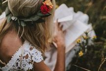 Bohemian wedding hairstyles / Bohemian hairstyles, romantic braids and sweet flowers. Everything for the perfect boho wedding. #hairstyles #braids #weddinghair