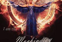 Tributes of Panem - Hunger Games, Catching Fire, Mockingjay / Love the novel by Suzanne Collins