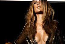 A sensualidade das celebridades / São belas, ricas, e acima de tudo extremamente sensuais...