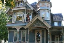 Romantic Victorian Painted Ladies / Lovely houses that draw you into the past.
