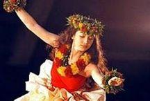 Colours of Hawaii - Hula / Hula Auana and Kahiko - Dances, Costums, Traditon and Cultur from Hawaii