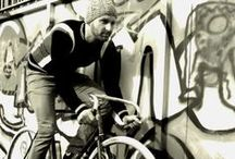 cycling / A feeling of freedom. Cyling makes your mind free.