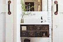 Bathrooms / Bathrooms with vintage objects