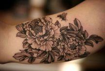 tattoos & piercings / by Monica Smal