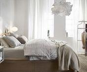 La chambre IKEA /  Ne perdez plus de sommeil dans une chambre à coucher dans laquelle vous n'êtes pas à l'aise. Si vous cherchez une idée pour une nouvelle décoration, si vous avez besoin de vous sentir sur un nuage ou si vous souhaitez simplement changer votre linge de lit, vous trouverez des tas d'idées ici pour créer une chambre à coucher que vous aimez.
