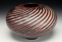 Jim Whalen / Jim Whalen creates ceramic vessels with elegant rounded forms, organic glazes and fluid designs.