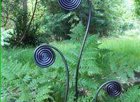 Gardening DIY / Crafts in the garden? Who knew?