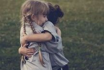 hug / calin