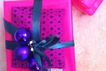 Gift wrapping  / Beautifully wrapped packages and creative wrapping ideas.