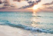 Plages paradisiaques / Un tableau qui fait rêver, qui donne envie de soleil, de plage et de vacances. Voici quelques photos des belles plages du monde, un peu d'évasion et de détente en images. #plages #vacances