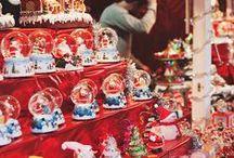 Marchés de Noël / De nombreuses villes dans le monde sont réputées pour leurs marchés de Noël magnifique alors, pourquoi ne pas changer vos habitudes de vacances ? Partir en hiver et se laisser emporter par la féerie de Noël peut réserver de magnifiques surprises.