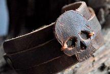Pulseiras - Rust Miner / Pulseiras criadas no todo ou em parte com reaproveitamento de diversos materiais: couro, courino, tecido, borracha...