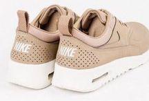 >> SHOELOVER SNEAKERS / Keeping it Casual #sneakerhead