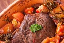 Crockpot Recipes / Easy, time-saving, and healthy slow cooker recipes you can make in your crockpot.
