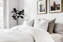 Guest Bedroom Decor Ideas |  Modern Guest Bedroom | Guest Bedroom Interior Design Inspiration / Creating a cozy bedroom makes guests feel welcome and comfortable, even though they may be far from home. Transform a guest bedroom with these modern decorating ideas.