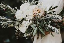 Wedding Floristry | Floral Arrangements | Alternative Wedding Bouquets / Tradition and trend