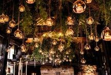 Romantic Wedding Lighting Indoor Outdoor and Receptions | Wedding Lighting Backdrop / Nothing sets the mood for your wedding quite like lighting. Create a magical ambiance at your wedding ceremony or reception with these romantic lighting ideas.