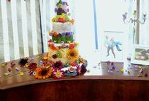 Cheese cakes for weddings. / Wedding cheese cakes. Edible Flowers.