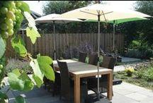 Zitten in de tuin / Tuinmeubilair, lounge sets,  tuinbanken, buitenkussens