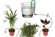Handige hulpjes in de tuin / Hulmiddelen om tuinieren makkelijker te maken. Klimsteunen, gereedschap, watergeefsystemen, werkbesparende oplossingen.