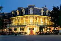 Places to Stay / Enjoy a collection featuring some of the best Bed and Breakfasts and Hotels in here in the Niagara Region.