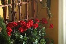 Realistic Silk Floral Designs / Beautiful silk floral designs / arrangements and ideas created by the talented staff at Evergreen Home Decor, Lake of the Ozarks most talked about store.  Largest supply of realistic artificial / silk florals / trees / plants / flowers in the midwest.