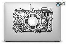 Stampe per pc portatili / Rendi unico il tuo computer portatile con adesivi personalizzati che rispecchiano i tuoi interessi e le tue passioni.