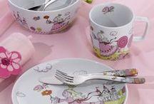Auerhahn children's cutlery / Nowoczesne, praktyczne zestawy sztućców dla dzieci. Zachęcą każdego niejadka do zjedzenia posiłku.