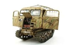 vehicules à chenilles de l'axe. / maquettes