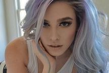 Gorgeous grey hair / For years women have been trying to cover any sign of grey. But now in a massive turnaround, young women are choosing to go grey with some stunning results.